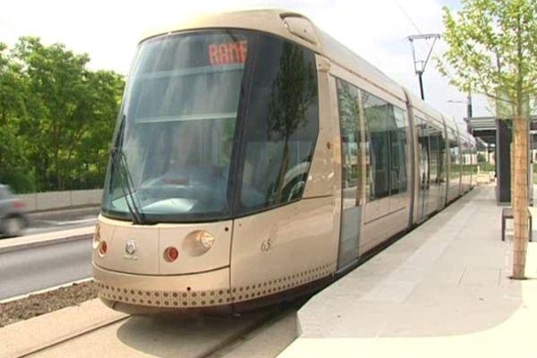 Tramway B à Orléans