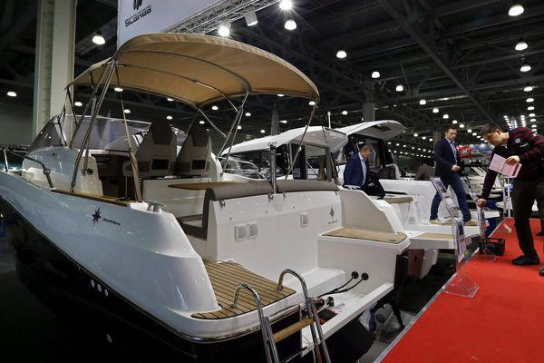 Des Cap Camarat dans les boat Clubs proposés par Jeanneau