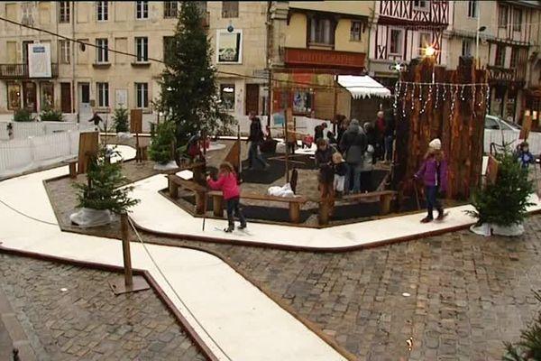 Une piste de ski de fond installée en plein centre ville de Semur pour les fêtes !