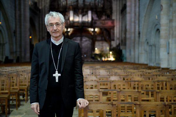 Pour Monseigneur Delmas, évêque d'Angers, une jauge de 30 personnes maxi est irréaliste