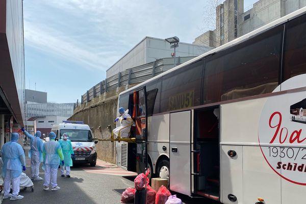 Un autocar transporte des malades du chu de Reims