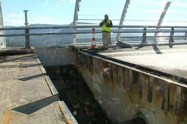 Millau (Aveyron) - travaux sur le viaduc - octobre 2012.