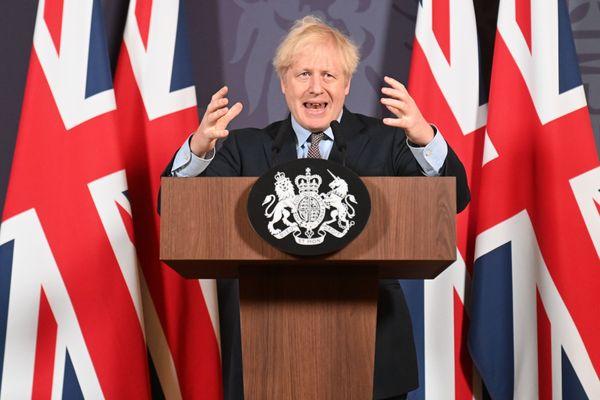 Le Premier Ministre britannique lors d'une conférence de presse après l'annonce de l'accord entre l'Union Européenne le 24 décembre 2020
