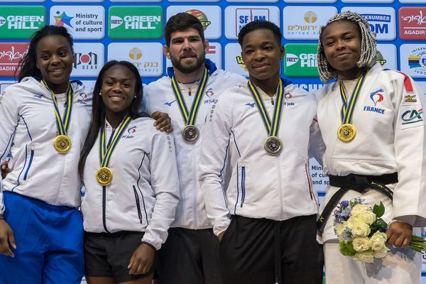 Une médaille d'argent aux championnats d'Europe de judo pour Audrey Tcheuméo, 4ème en partant de la gauche.