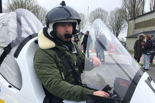 James Ketchel est arrivé à Alençon en Gyrocoptère
