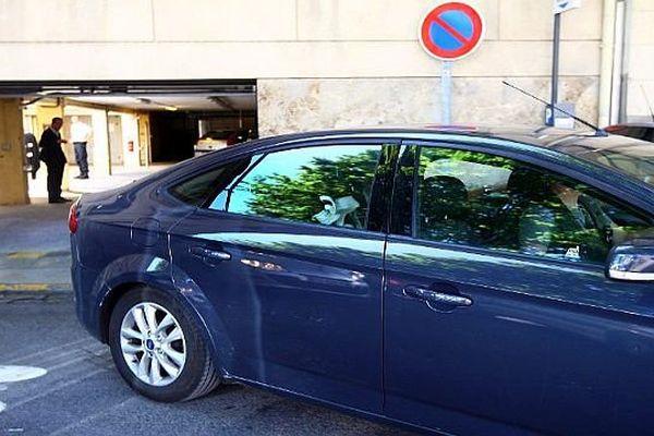 Perpignan - transfert du SRPJ à la prison de Béziers, de Jacques Rançon, mis en examen pour tentative de meurtre en 1998 - 5 juin 2014.