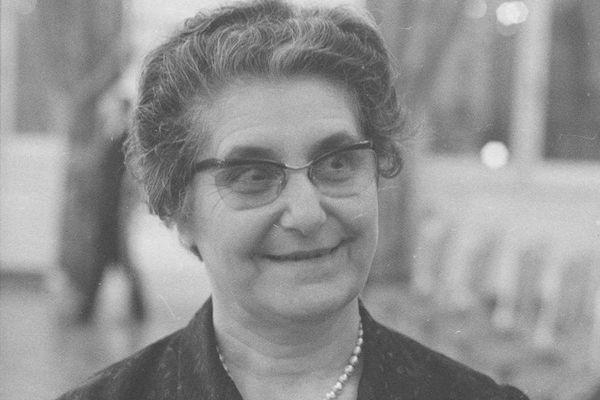 Militante pour le syndicalisme féminin, et le vote des femmes, Philomène Magnin sera la première femme à siéger au conseil municipal de Lyon en 1945