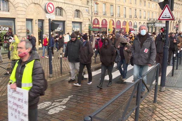 Plusieurs centaines de personnes avaient manifesté à Bordeaux, samedi 12 décembre.