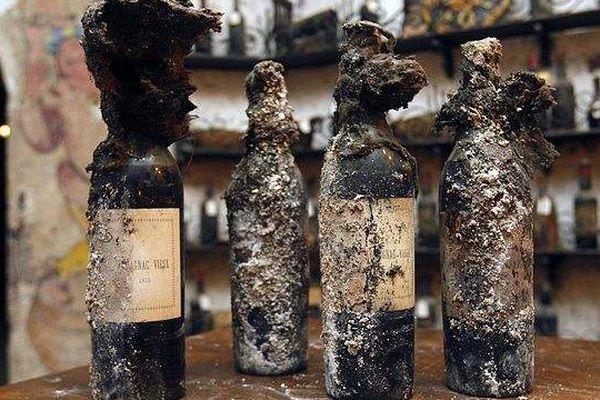 Dans le domaine des records, une bouteille de la Maison Gautier d'Aigre datant de 1762 a été vendue 59.000 dollars en 2014