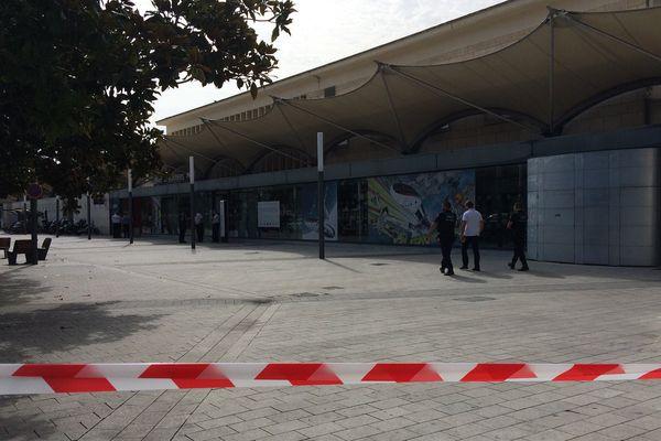 Les abords de la gare de Poitiers ont été interdits pendant une partie de l'après-midi