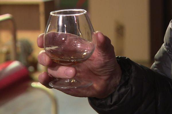 Dégustation de liqueur d'armagnac à l'orange, de fenouillette ou encore de quinquinoix. Un doux supplice.