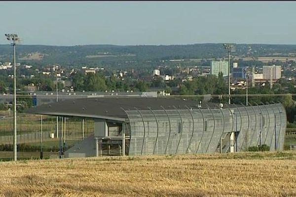 Le stade de la Loue est vide. Le Montluçon Rugby, en cessation de paiement, ne jouera pas en Fédérale 2 cette saison 2016/2017.