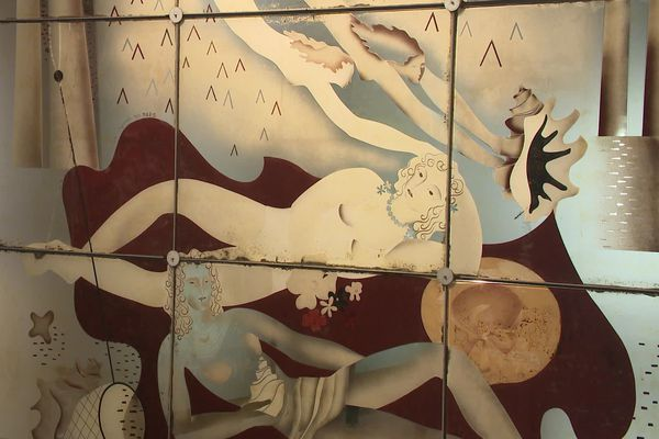Une des oeuvres en verre de Max Ingrand exposée à Bressuire.