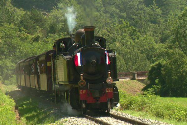 Le Train Des Pignes A Vapeur Un Voyage Entre Puget Theniers Et Annot Comme Au Temps Jadis