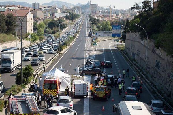 La fusillade a eu lieu en pleine journée sur l'autoroute A7 à l'entrée de Marseille.