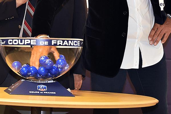 Le tirage au sort de la 8ème de Finale de la coupe de France a eu lieu au siège de la fédération Française de Football le 18 novembre 2015.