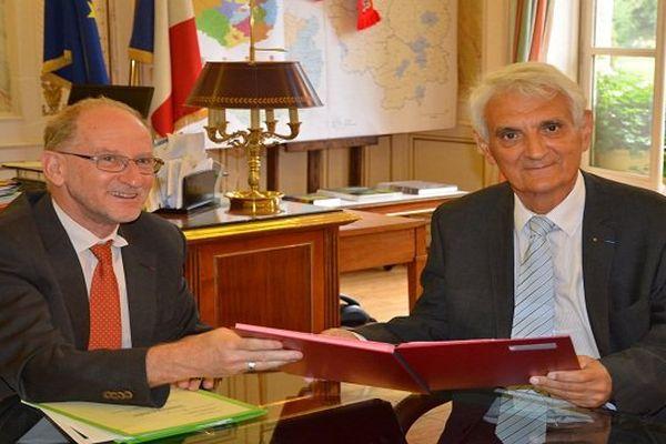 Eric Delzant, préfet de Bourgogne, et Claude Mennella, ambassadeur de l'apprentissage pour la Région Bourgogne