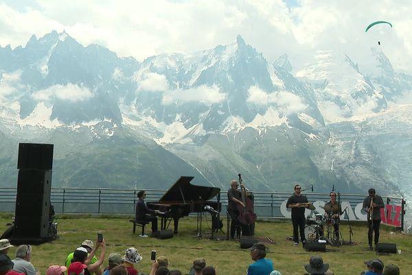 Le festival Cosmo Jazz se déroule du 24 au 31 juillet 2021 dans toute la vallée de Chamonix (Haute-Savoie).