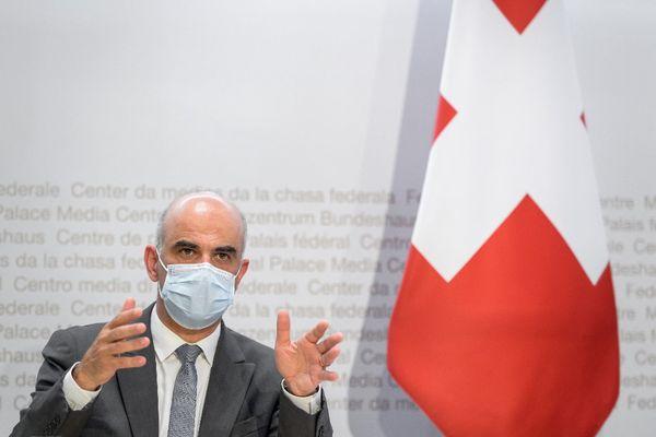 Le ministre de l'Intérieur et de la Santé suisse, Alain Berset en conférence de presse à Berne ce 26 mai 2021