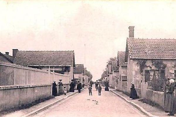 Champigny-en-Beauce, les longères de la rue Neuvre
