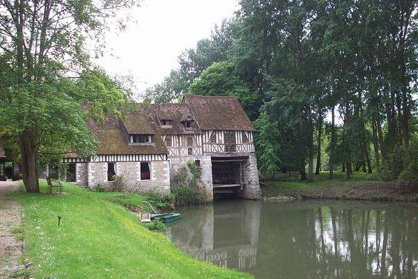 Dans l'Eure, non loin de la Seine, le Moulin d'Andé connaîtra un ciel nuageux en ce JEUDI matin.