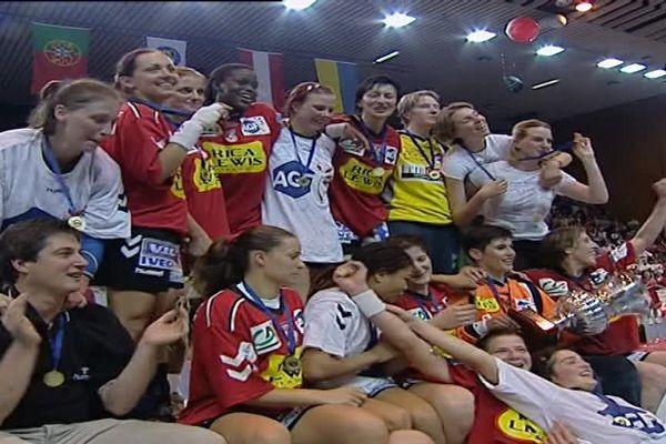 19 mai 2003: les handballeuses de Besançon décrochent la coupe d'Europe, après 3 titres nationaux