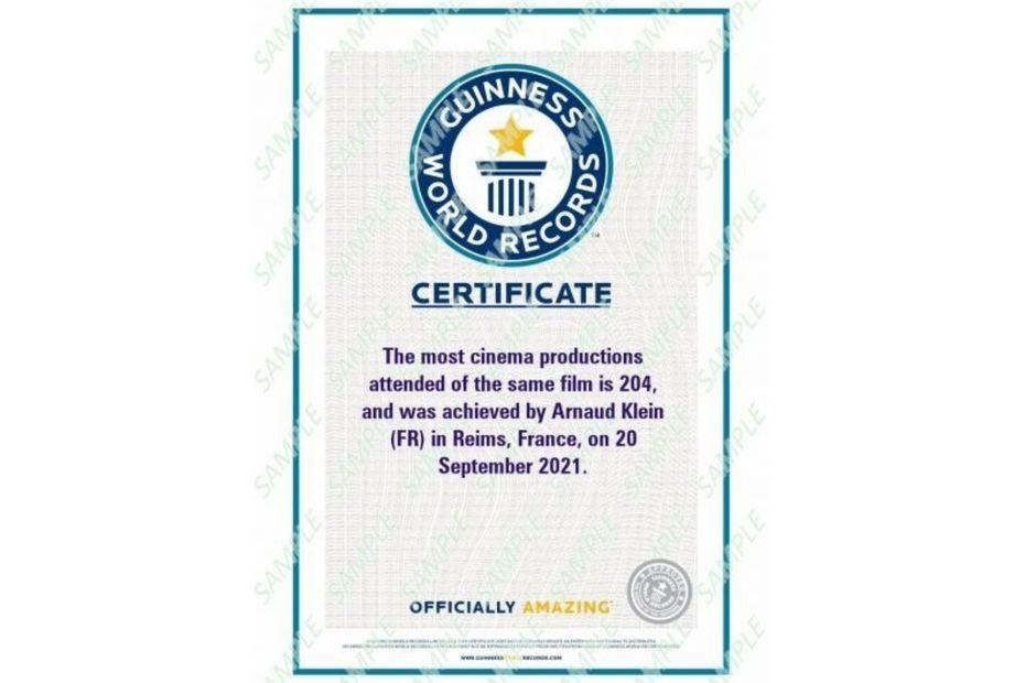 Kaamelott : record du monde battu par Arnaud Klein, qui a vu 204 fois le film d'Alexandre Astier, validé par le Guinness Book