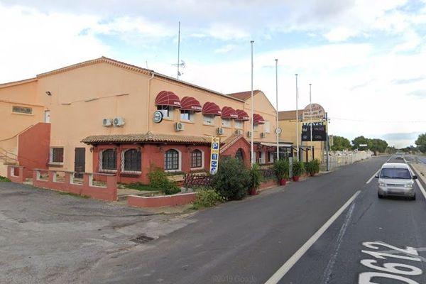 Cet ancien relais-hôtel en bordure de départementale 612 doit normalement accueillir un foyer pour mineurs maltraités en rupture familiale géré par le Département de l'Hérault.
