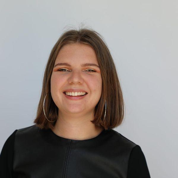 Meilleure bachelière de Picardie en 2017, Florence Briault est actuellement en Master 1 à l'Ecole d'Affaires Publiques de Sciences Po Paris.