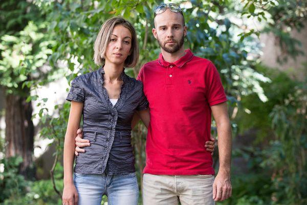 Samira et Mickael Coviaux, parents du petit Yanis, lors de leur installation à Grenoble en 2016.