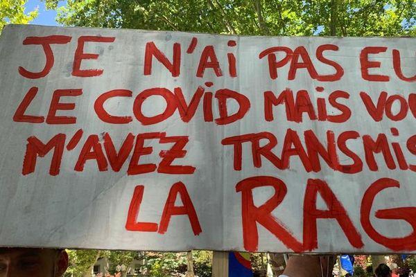 A Montpellier, sur les banderoles, la colère du personnel de santé s'affiche - 30 juin 2020