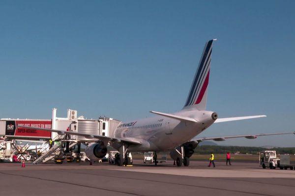 Montpellier - un Airbus A318 d'Air France - octobre 2021.