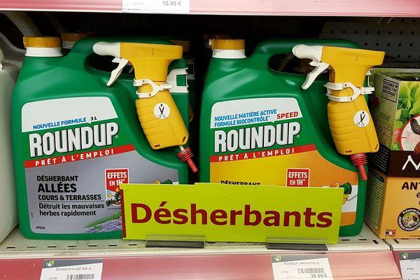 Objectif ultime de la campagne: porter plainte pour empoisonnement et tromperie contre les fabricants et les pouvoirs publics qui autorisent la commercialisation du glyphosate.