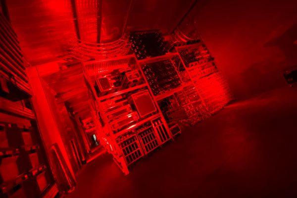 Vendargues - A l'intérieur de ses locaux le matériel de Damien Mulot était éclairé en rouge.