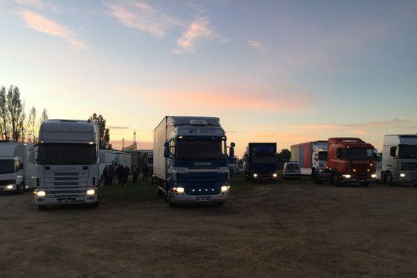 Les forains, au départ de l'opération escargot organisée à Vannes.