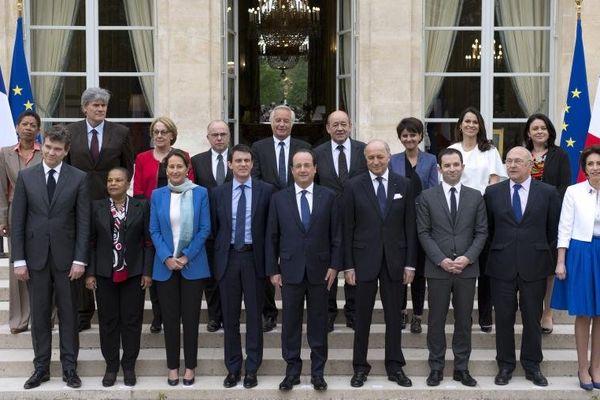 Les ministres et le président de la République, le 4 avril 2014 sur le perron de l'Elysée, à Paris.