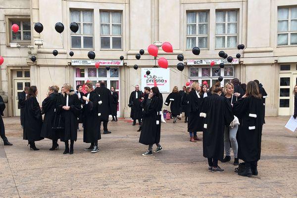 Montpellier - les avocats dans la manifestation interprofessionnelle- 16 janvier 2020.