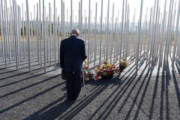 Aujourd'hui encore, les différents protagonistes du drame ne commémorent pas la catastrophe au même endroit et le mémorial ne fait pas l'unanimité.