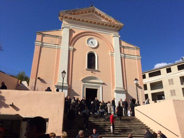 L'archiconfrérie Saint-Joseph à Bastia avant la messe en corse en l'honneur de Saint Joseph, le 19 mars 2016.