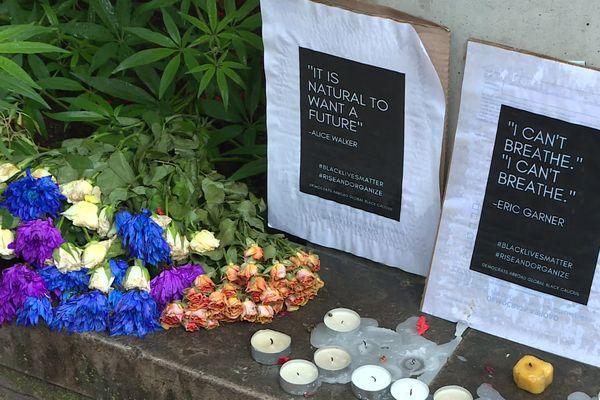 La LICRA d'Auvergne-Rhône-Alpes appelait à un hommage à George Floyd, mort sous le genou d'un policier aux Etats-Unis et dont les obsèques avaient lieu mardi 9 juin 2020 - Lyon, place Guichard.