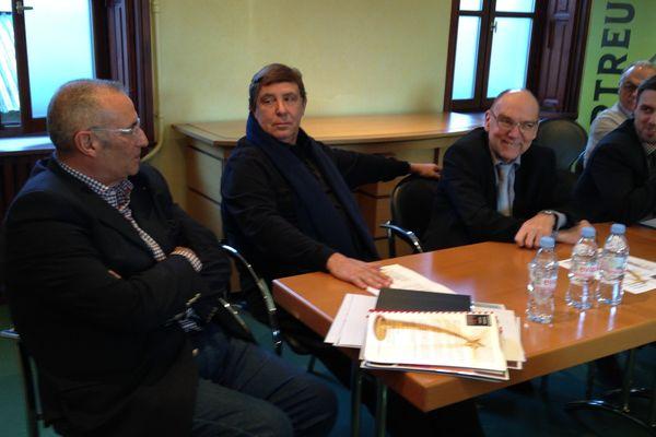 Guy Chanal et Jean-Pierre Foucault lors de la conférence de presse