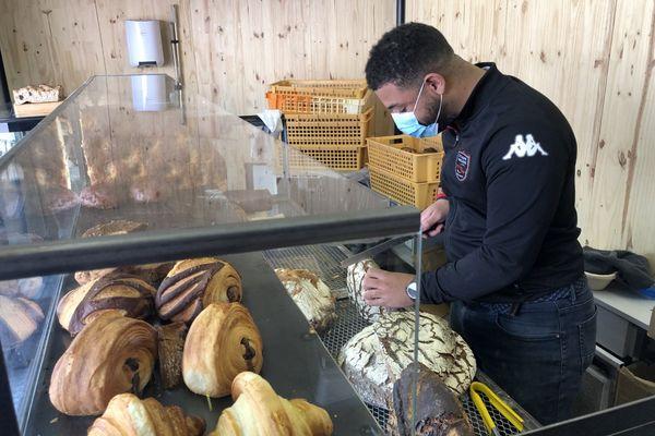 Un kiosque à pain aux Chartreux.