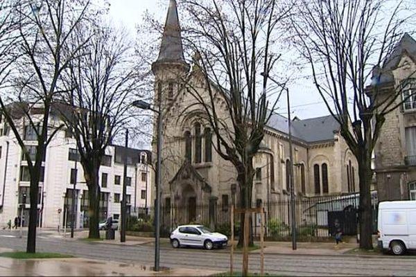 Une trentaine de demandeurs d'asile ont été accueillis pour la nuit dans les locaux de l'Eglise réformée de France, boulevard des Brosses à Dijon.