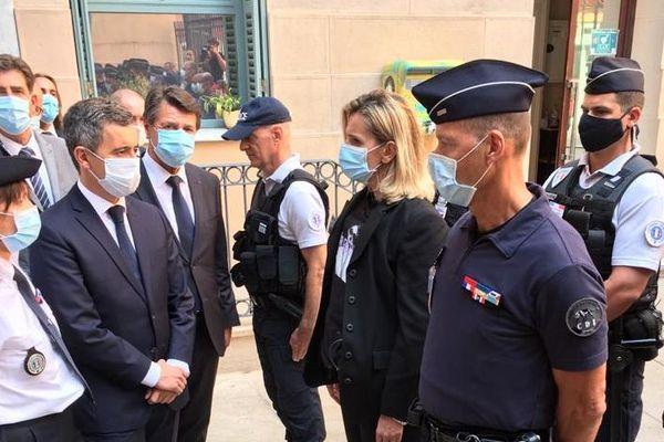Christian Estrosi, aux côtés du ministre de l'Intérieur Gérald Darmanin, ce lundi après-midi à Nice.
