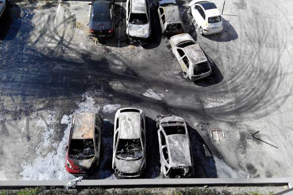 13/03/15 - Une douzaine de voitures brûlées en région bastiaise
