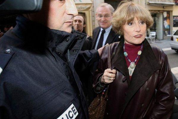Françoise Lausseure en 2006 à son arrivé à l'audience de la cour d'assises des Alpes-maritimes.