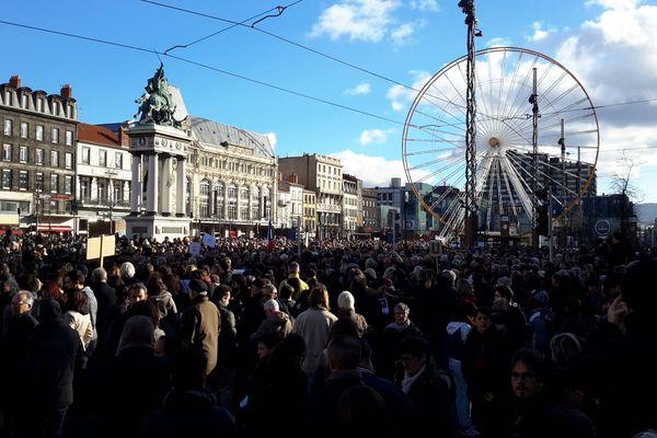 Plus de 60 000 personnes dans les rues de Clermont-Ferrand, le 11 janvier 2015, pour dire non au terrorisme.