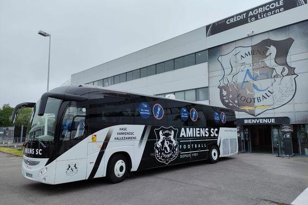 C'est dans le bus de l'Amiens SC que les volontaires de plus de 18 ans pourront se faire vacciner