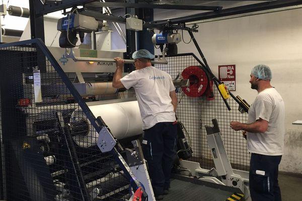 Leygatech emploie 175 salariés à Saint-Romain-Lachalm (Haute Loire). la PME, spécialisée dans l'emballage plastique pour l'agroalimentaire, recrute une vingtaine de salariés mais rencontre de sérieuses difficultés pour trouver de la main d'œuvre. Actuellement, elle recherche des manutentionnaires, des régleurs et une assistante commerciale, 8 postes sont à pourvoir.