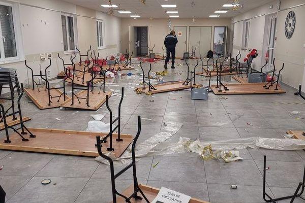 La salle des fêtes d'Ascoux saccagée.